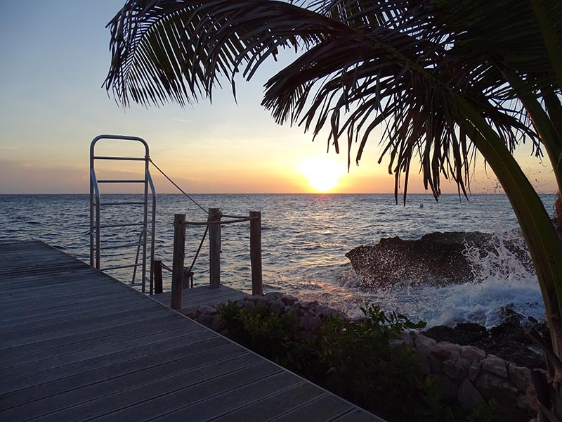 Vacation Rental Curacao -Sunset at the Hovering dock