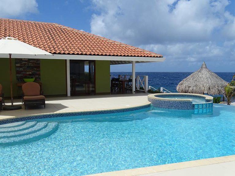 Caribbean Ocean front villa - swimming pool
