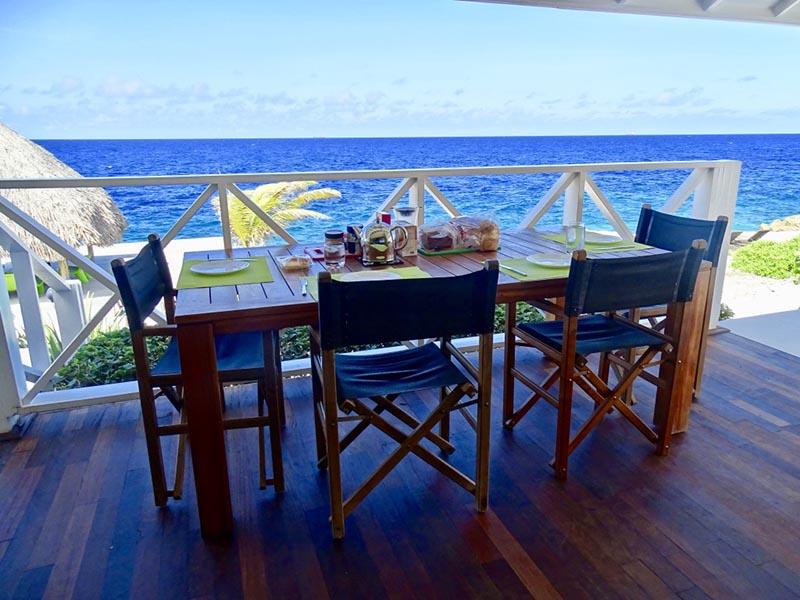 Breakfast at the sea - vacation rental curacao
